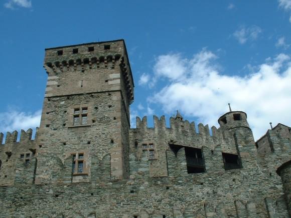 Valle d Aosta - Castello di Fenis 10