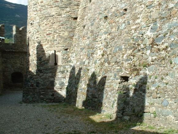 Valle d Aosta - Castello di Fenis 19