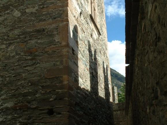 Valle d Aosta - Castello di Fenis 20
