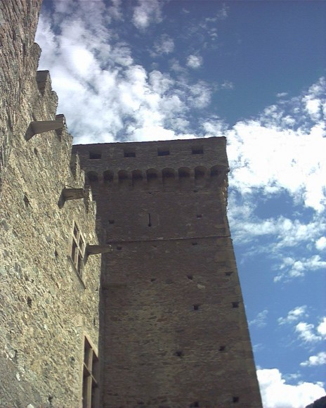 Valle d Aosta - Castello di Fenis 3